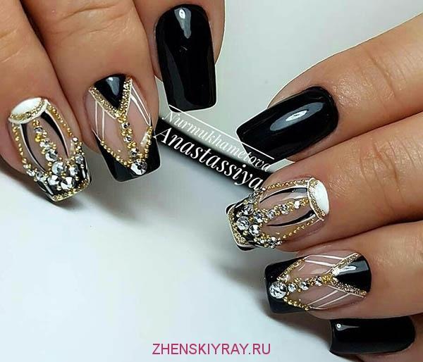 dizajn_nogtej_so_strazami