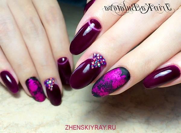 vishnevyi_manikur_lunnyj_stil