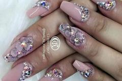 стильные ногти со стразами