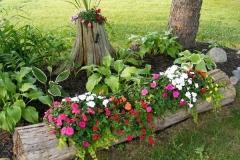 19-front-yard-landscaping-garden-ideas-homebnc