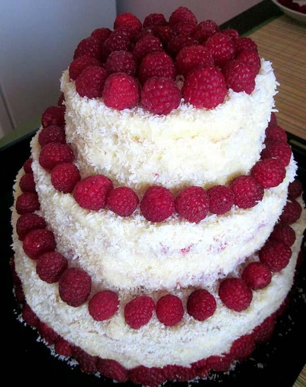фрукты на торте декор фото