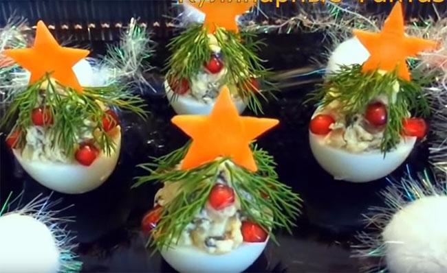 фаршированные яйца грибами, закуска елочки