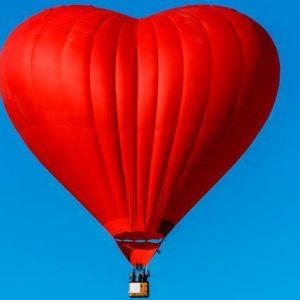 полет на воздушном шаре - предложение руки и сердца