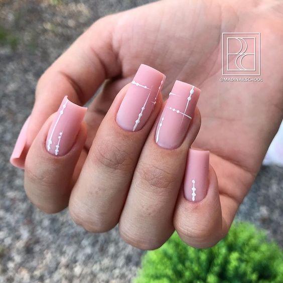 квадратные ногти мода 2020