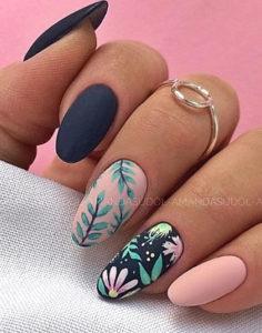 листочки и рисунки на ногтях