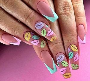 губки на ногтях яркий дизайн ногтей 2020-2021