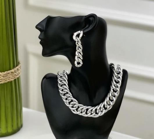 комплект украшения на шею и сережки цепи