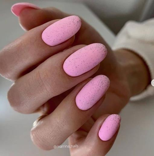 светло-розовые ногти 2022 пудра
