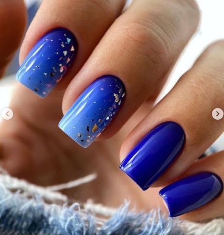 синий цвет электрик блю маникюр