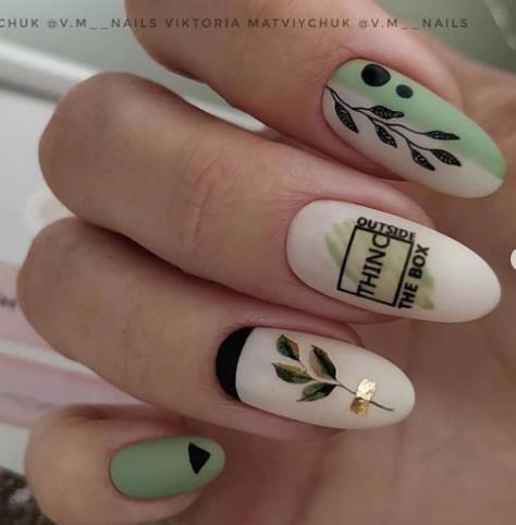 гель-лак 2021-2022 с листьями надписи на ногтях фото
