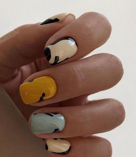 пятнышки на ногтях фото 2021-2022