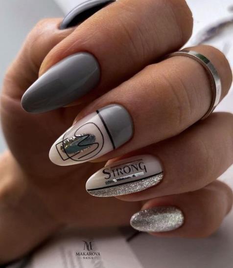 дизайн ногтей с полосками геометрия новинки 2021-2022