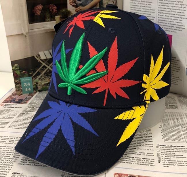 кепки марихуана принт