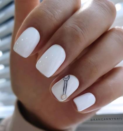 минимализм ногти белого цвета 2022