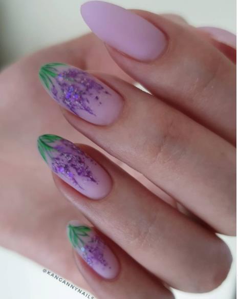 сирень на ногтях покрытие гель-лаком