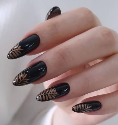 черный дизайн ногтей на длинную форму
