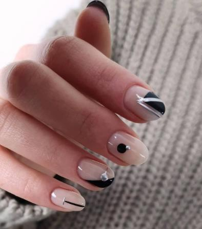 комбинированный гель-лак на ногтях